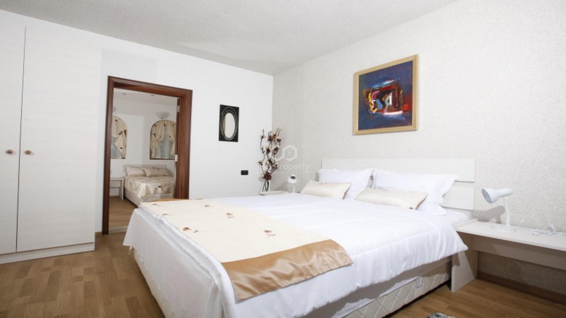 Трехкомнатная квартира Бяла  133 m2