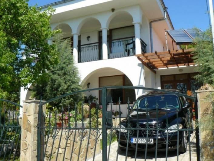 Дом Кошарица 250 m2