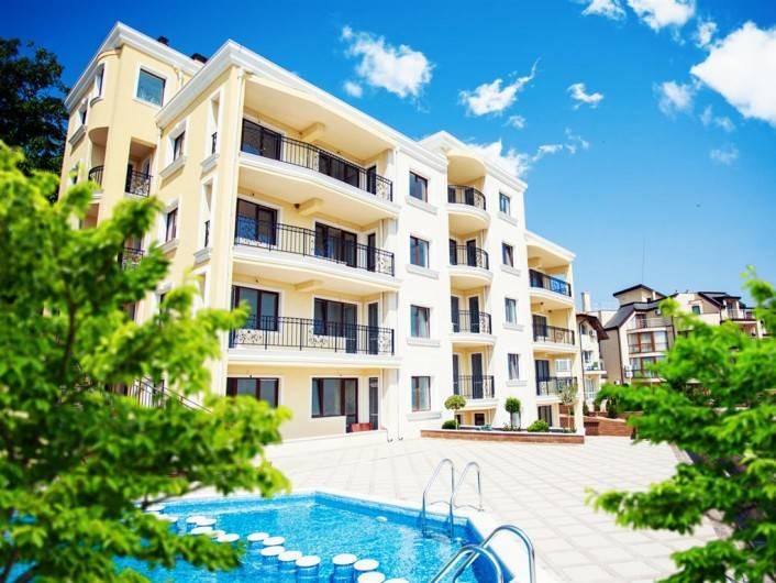 Трехкомнатная квартира Бяла  146 m2