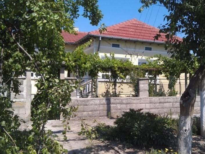 Дом Преселенци 100 m2