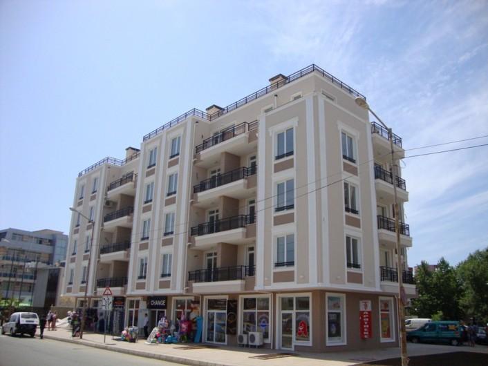 Трехкомнатная квартира Слънчев Бряг 103 m2