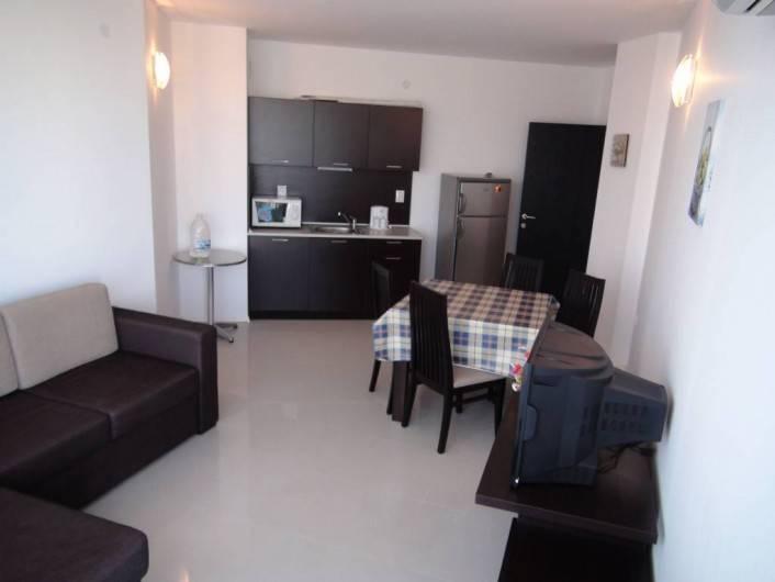 Трехкомнатная квартира Сарафово Бургас  88 m2
