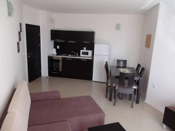 Трехкомнатная квартира Сарафово Бургас  105 m2