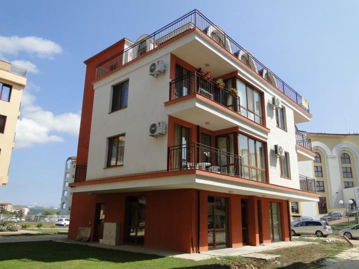 Двухкомнатная квартира Обзор 50 m2