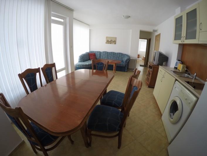 Трехкомнатная квартира Слънчев Бряг 81 m2